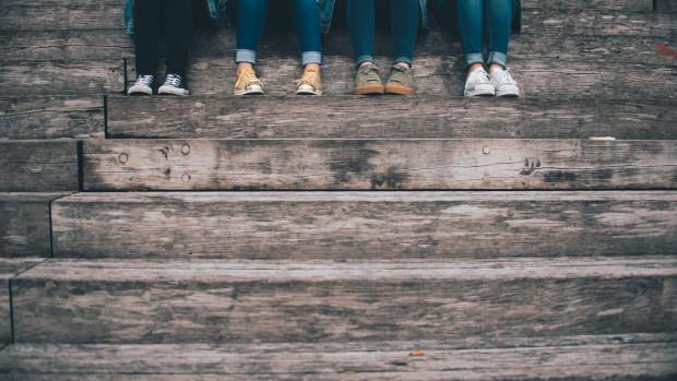 « Ensemble, aidés par le souffle de l'Esprit, pas toujours d'accord mais toujours dans la joie, nous nous rencontrons avec nos charismes et nos diversités pour nous mettre au service de nos frères, à votre service, pour aider les jeunes à grandir dans cette grande et belle famille qu'est l'Église. »
