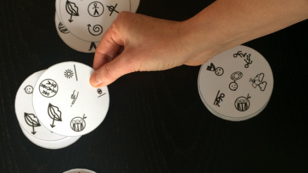 Le jeu du Dobble des pictogrammes.