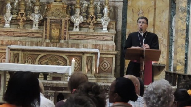 Mgr Moulins Beaufort (Rome 092013)