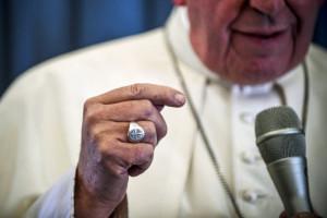 26 août 2018 : Conférence de presse dans le vol de retour de la visite pastorale en Irlande, à l'occasion de la Rencontre Internationale de la Famille. Le pape François aborde la question des abus sexuels, l'avortement et l'homosexualité.
