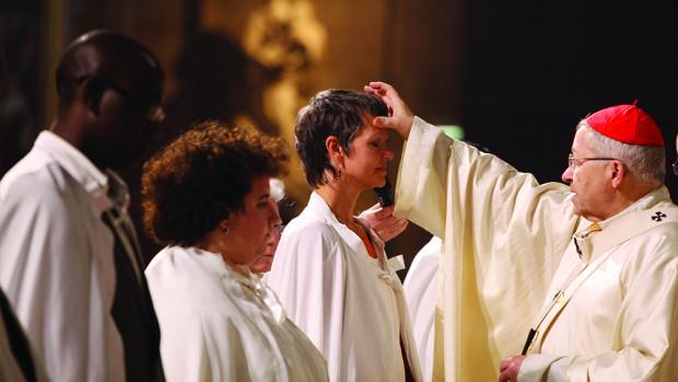 Cathédrale Notre-Dame de Paris. Baptême d'adultes.