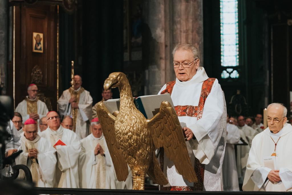 Proclamation de l'évangile à l'ambon, lors de la messe d'installation de Mgr Jean-Paul James comme archevêque de Bordeaux le 26 janvier 2020.