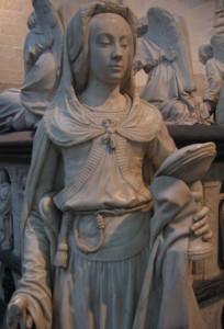 Statue d'angle représentant la Prudence, tombeau de François II et Marguerite de Foix, en la Cathédrale de Nantes.
