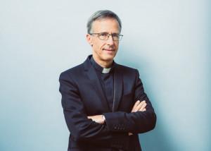 Portrait de Mgr Olivier de GERMAY, nommé archevêque de Lyon et membre de la Commission épiscopale pour la catéchèse et le catéchuménat au sein de la Conférence des évêques de France (CEF). Lourdes (65), France.