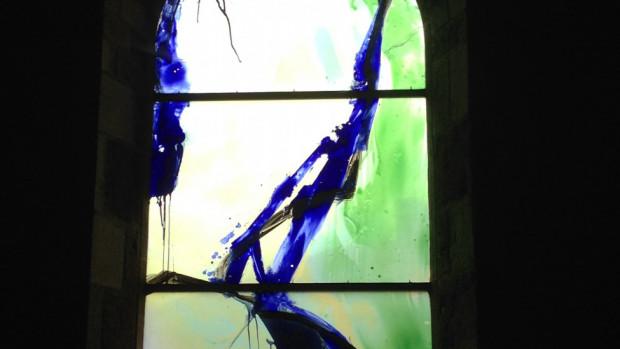 Un vitrail de l'artiste Kim en Joong.
